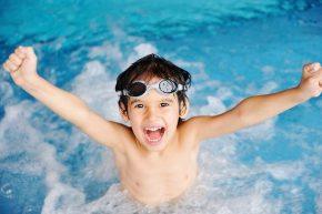 cara meninggikan badan dengan berenang